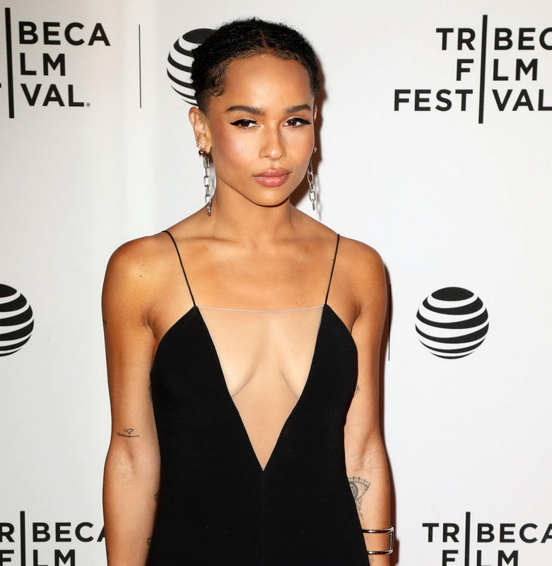 zoe-kravitz-cleavage-at-vincent-n-roxxy-premiere-tribeca-16