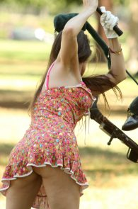 alicia-arden-ass-flash-pink-thong-panties-upskirt-golf-swing-18