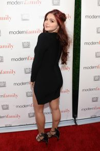 ariel-winter-deep-cleavage-at-modern-family-atas-emmy-event-02