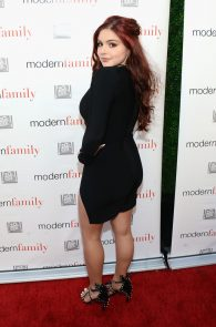 ariel-winter-deep-cleavage-at-modern-family-atas-emmy-event-03