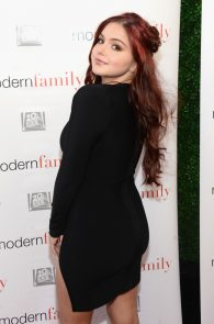 ariel-winter-deep-cleavage-at-modern-family-atas-emmy-event-04