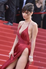 bella-hadid-pubes-at-la-fille-inconnue-premiere-in-cannes-01