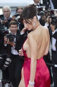 bella-hadid-pubes-at-la-fille-inconnue-premiere-in-cannes-02