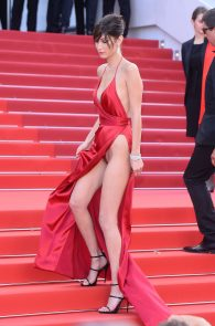 bella-hadid-pubes-at-la-fille-inconnue-premiere-in-cannes-07