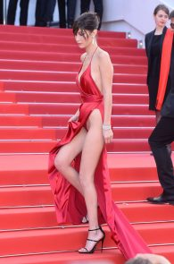 bella-hadid-pubes-at-la-fille-inconnue-premiere-in-cannes-08