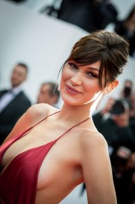 bella-hadid-pubes-at-la-fille-inconnue-premiere-in-cannes-11