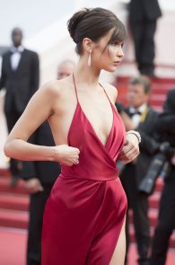 bella-hadid-pubes-at-la-fille-inconnue-premiere-in-cannes-12