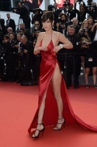 bella-hadid-pubes-at-la-fille-inconnue-premiere-in-cannes-15