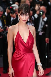 bella-hadid-pubes-at-la-fille-inconnue-premiere-in-cannes-16