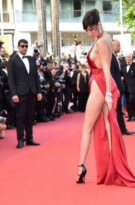 bella-hadid-pubes-at-la-fille-inconnue-premiere-in-cannes-17