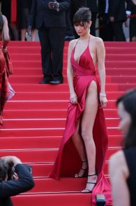 bella-hadid-pubes-at-la-fille-inconnue-premiere-in-cannes-23