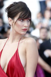 bella-hadid-pubes-at-la-fille-inconnue-premiere-in-cannes-24