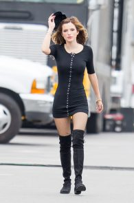 bella-thorne-puffy-nipples-on-the-set-of-you-get-me-in-san-pedro-18