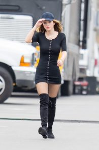 bella-thorne-puffy-nipples-on-the-set-of-you-get-me-in-san-pedro-19
