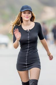 bella-thorne-puffy-nipples-on-the-set-of-you-get-me-in-san-pedro-20