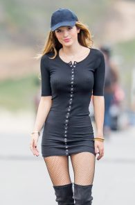 bella-thorne-puffy-nipples-on-the-set-of-you-get-me-in-san-pedro-21