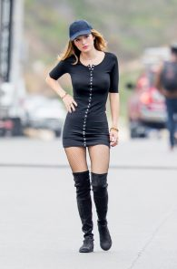 bella-thorne-puffy-nipples-on-the-set-of-you-get-me-in-san-pedro-29