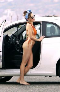 bella-thorne-tiny-bikini-photo-shoot-on-zuma-beach-21