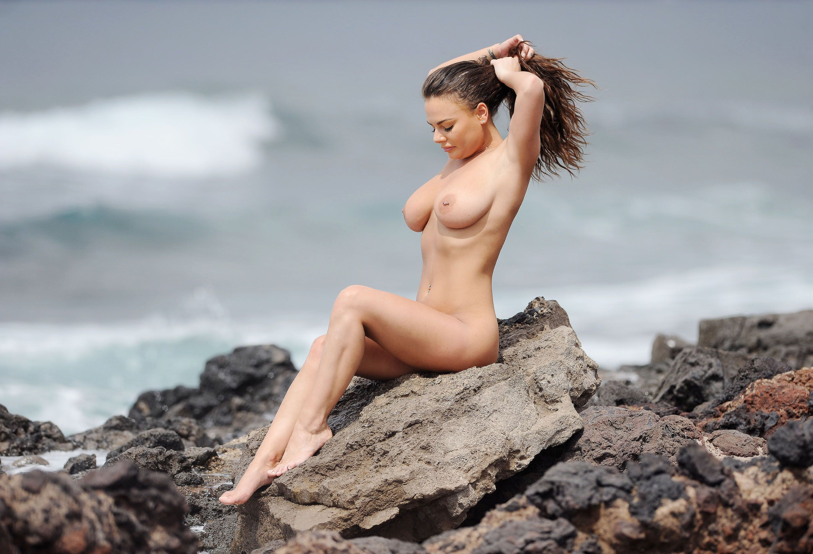 devchonki-topless-video-russkie-prostie-devushki