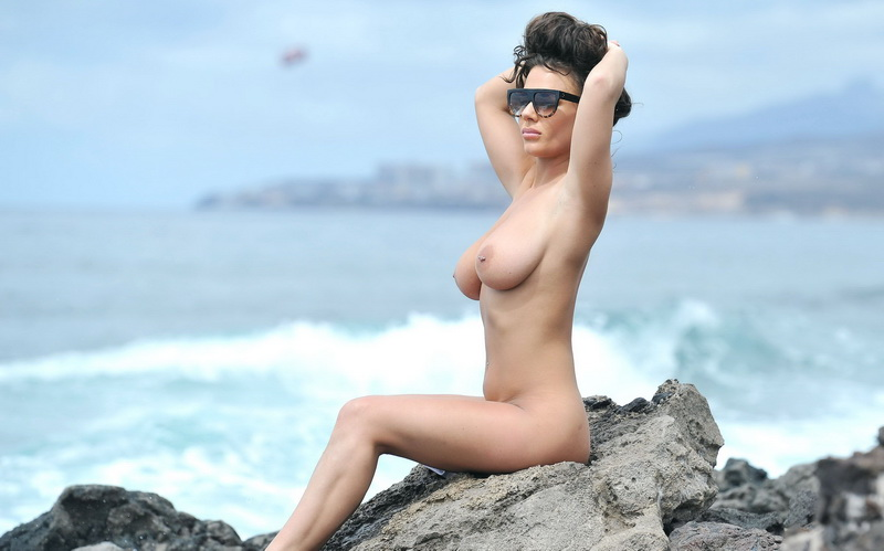 chantelle-connelly-topless-in-tenerife-24