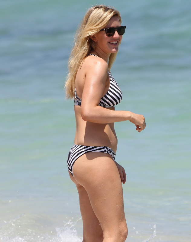 ellie-goulding-wearing-a-bikini-in-miami-beach-15