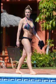 gemma-atkinson-wearing-a-bikini-in-puerto-banus-28