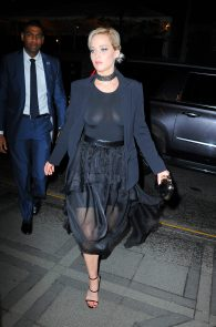 jennifer-lawrence-braless-see-through-to-nipples-in-new-york-04