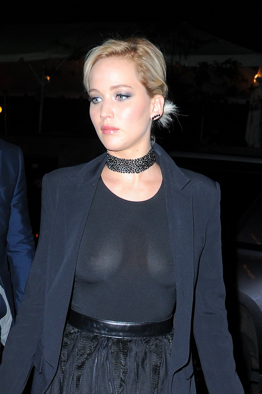 jennifer-lawrence-braless-see-through-to-nipples-in-new-york-15