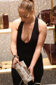 jennifer-lopez-deep-cleavage-shopping-in-miami-07