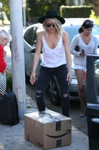 julianne-hough-downblouse-cleavage-in-west-hollywood-01