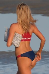 kelly-rohrbach-alexandra-daddario-wearing-bikinis-on-the-set-of-baywatch-03