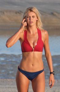 kelly-rohrbach-alexandra-daddario-wearing-bikinis-on-the-set-of-baywatch-11