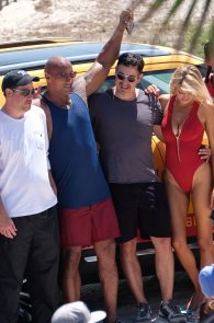 kelly-rohrbach-alexandra-daddario-wearing-bikinis-on-the-set-of-baywatch-27