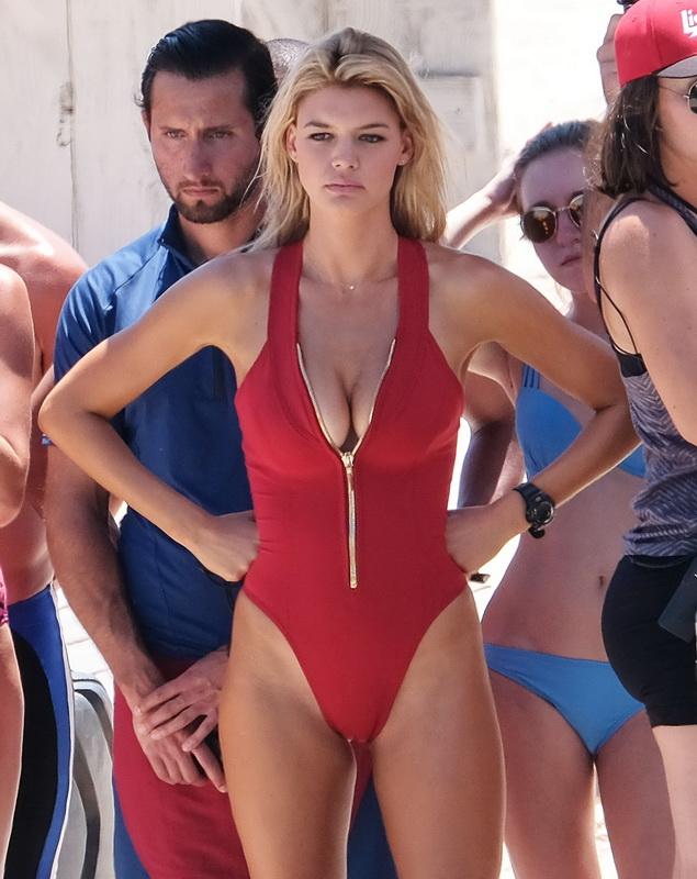 kelly-rohrbach-alexandra-daddario-wearing-bikinis-on-the-set-of-baywatch-33