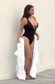 kim-kardashian-big-cleavage-in-swimsuit-in-iceland-19