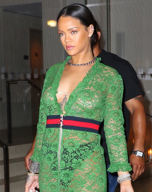 rihanna-braless-in-see-through-top-and-thong-in-ny-01