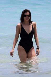 hailee-steinfeld-wearing-a-black-swimsuit-in-miami-07