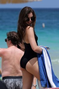 hailee-steinfeld-wearing-a-black-swimsuit-in-miami-13