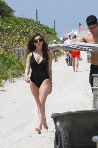 hailee-steinfeld-wearing-a-black-swimsuit-in-miami-36