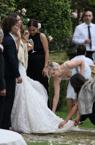 jennifer-lawrence-braless-pokies-at-a-wedding-in-italy-01