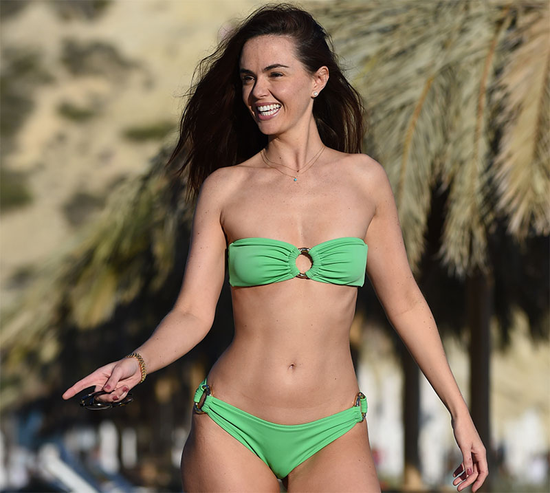 jennifer-metcalfe-wearing-a-green-bikini-in-ibiza-02