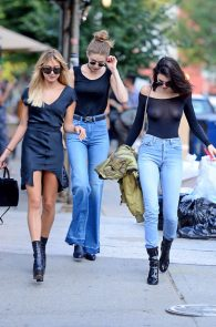 kendall-jenner-see-through-to-nipples-and-piercing-in-nyc-04