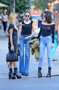kendall-jenner-see-through-to-nipples-and-piercing-in-nyc-20