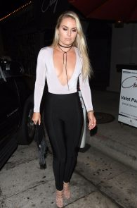 lindsey-vonn-deep-cleavage-and-ass-shot-in-hollywood-19