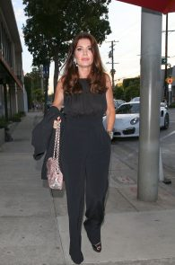 lisa-vanderpump-braless-see-through-top-at-craigs-02