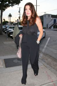 lisa-vanderpump-braless-see-through-top-at-craigs-05