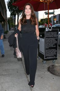 lisa-vanderpump-braless-see-through-top-at-craigs-09