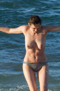 marion-cotillard-topless-on-fuerteventura-island-06