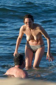 marion-cotillard-topless-on-fuerteventura-island-08