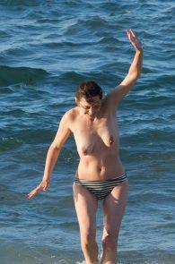 marion-cotillard-topless-on-fuerteventura-island-09
